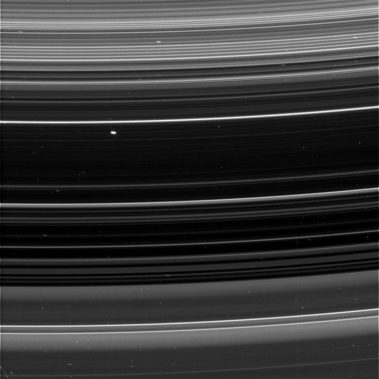 Here Are The First Stunning Pictures Sent From Cassini's First Dive Through Saturn's Rings