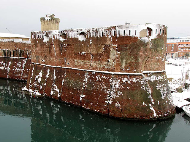 The Capitana bastion of the Fortezza Vecchia under the snow, Livorno