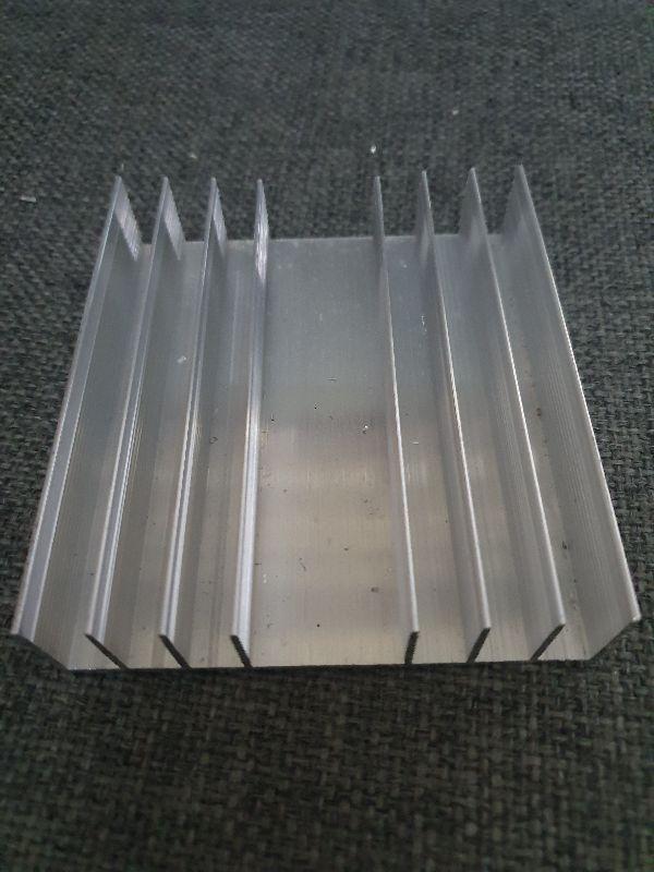 Tản nhiệt nhôm 8 cánh ráp amply