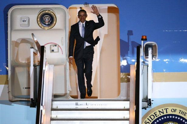 3 Photos: President Obama used 3 helicopters, a vast motorcade and a modified jumbo jet to come to UK