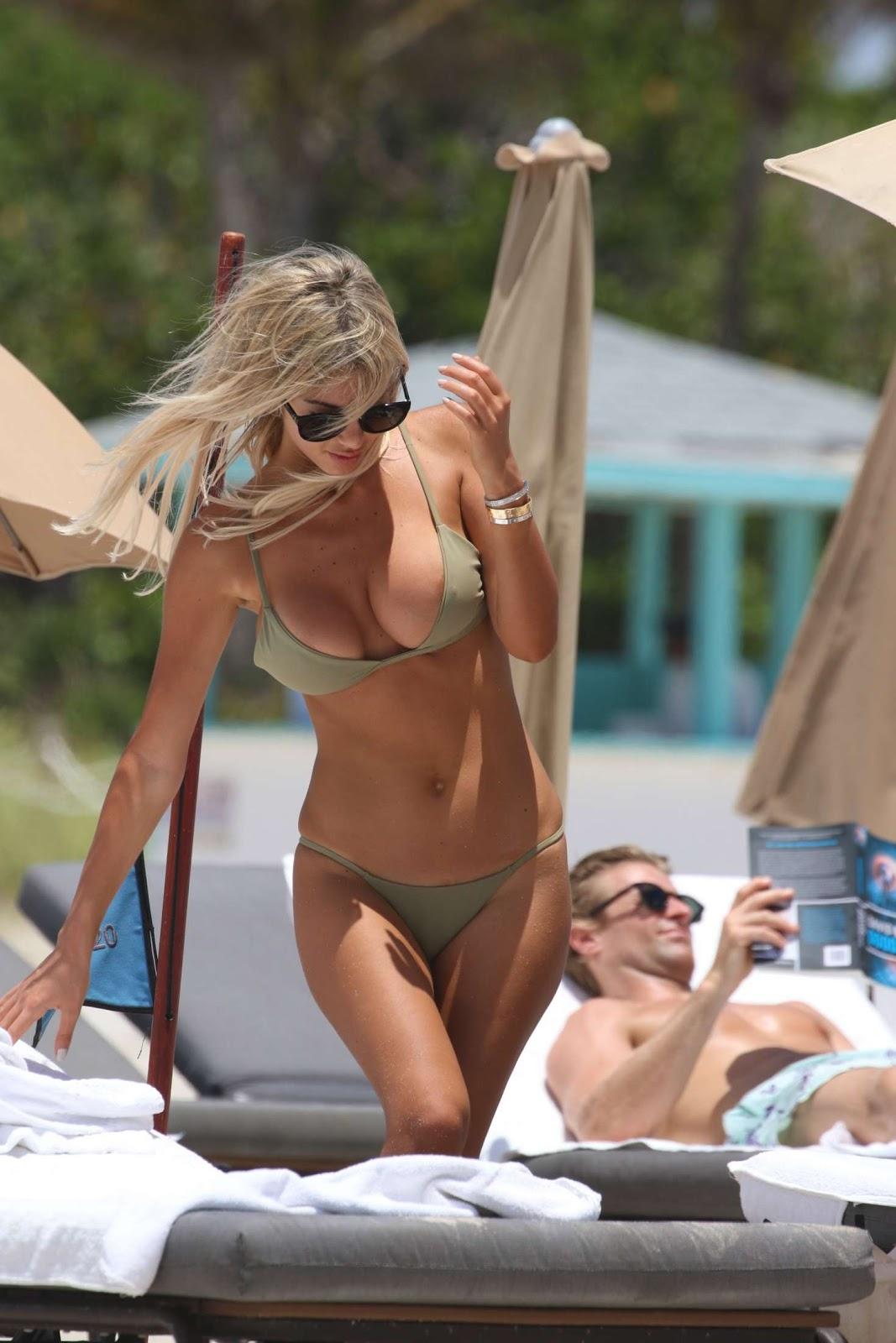 27-летняя итальянская модель и телеведущая Мелисса Кастаньоли (Melissa Castagnoli)