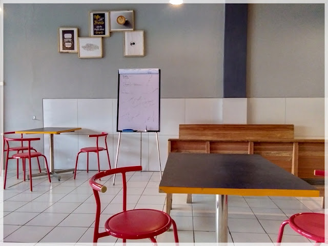 startup life coworking space