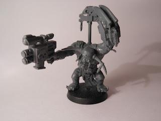 Shadow War: Armageddon ork Boss with power klaw and slugga