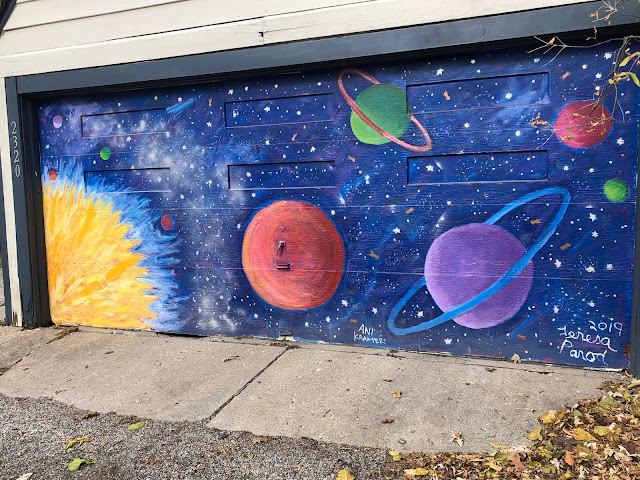 The solar system dances brilliantly. Mural by Evanston artist Teresa Parod.
