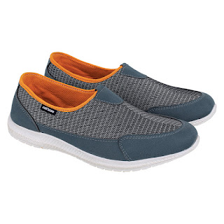 Sepatu Slip On Wanita Catenzo IR 065