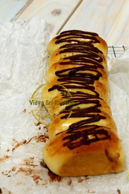 Widya Sri Rusdianti's Kitchen: TEAR BREAD WITH NUTELLA ...