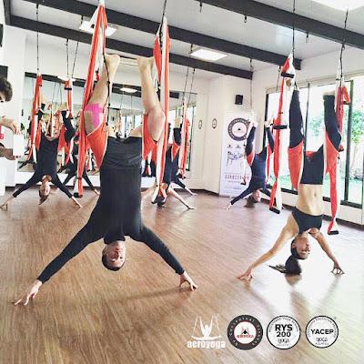 yoga aérien, Qu'est ce que l'aeroyoga?, Qu'est ce que le yoga aérien, pilates aérien, aeroyoga, aeropilates, formation enseignants, bienfais aeroyoga, bienfaits yoga aérien, ayurveda, remise en forme
