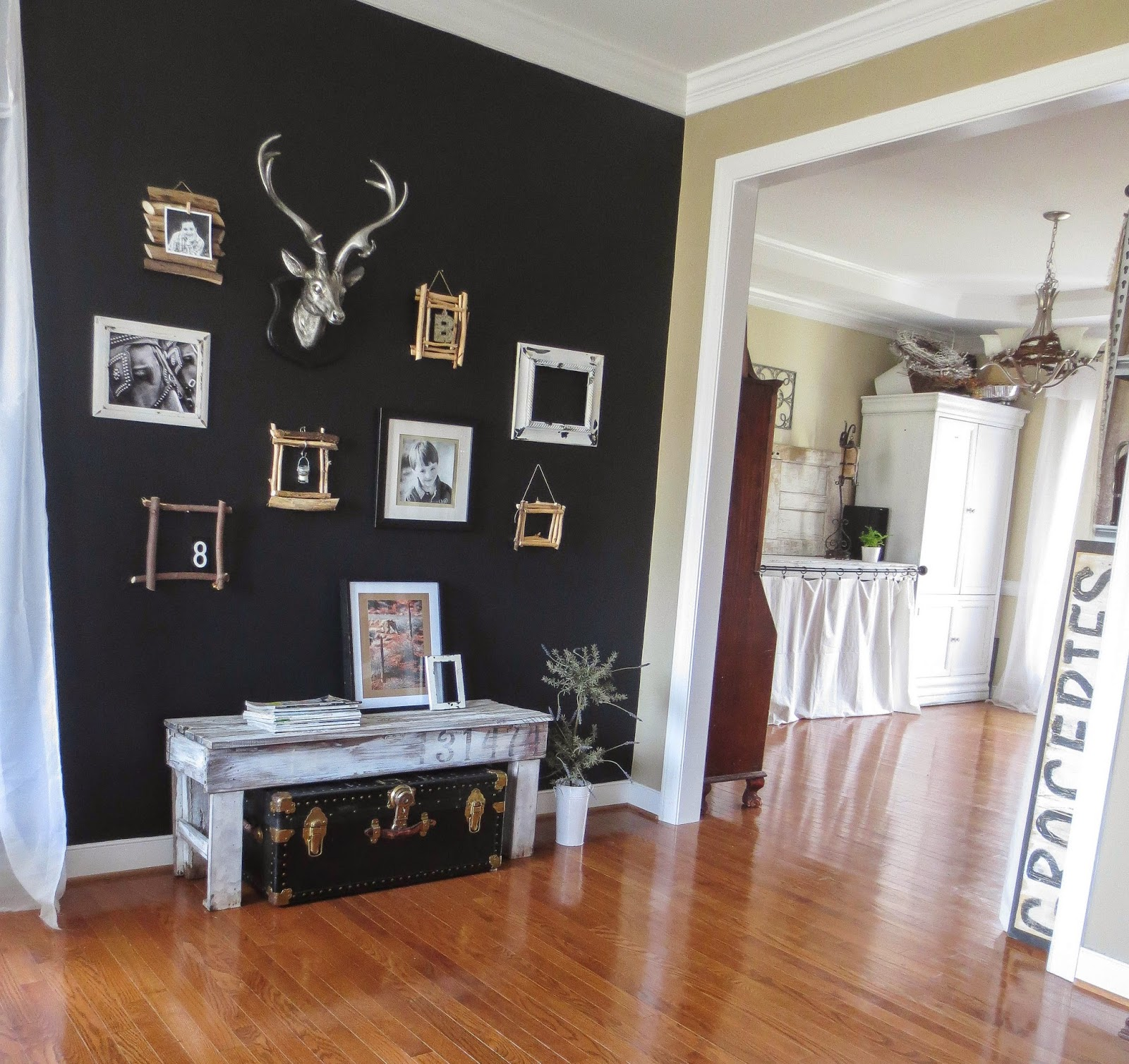 Accent Wall Pictures: Down To Earth Style: Paint A Black Accent Wall