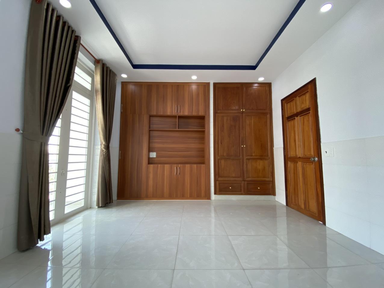 Bán nhà 2 lầu Đường số 12 Bình Hưng Hòa quận Bình Tân dưới 5 tỷ