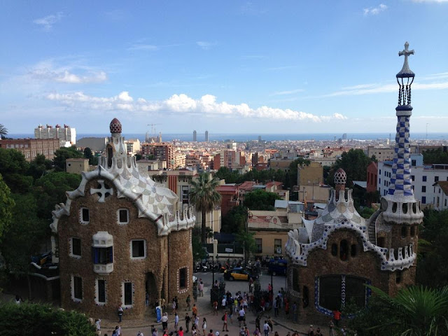 THE ENTRANCE TO PARK GUELL BARCELONA