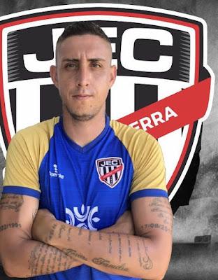 De volta ao Jaraguá, zagueiro Rafael Caldeira vê equipe forte para a retomada do Campeonato Goiano