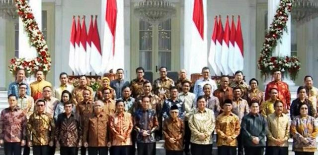 """23 Oktober 2019, Presiden Jokowi Widodo telah mengumumkan susunan kabinetnya yang diberi nama """"Kabinet Indonesia Maju"""" di Istana Negara."""