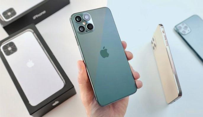 قد يكون iPhone 13 هو الهاتف الذي لا يصل إلى الرفوف أبدًا. إليكم اعتقاد الناس بذلك