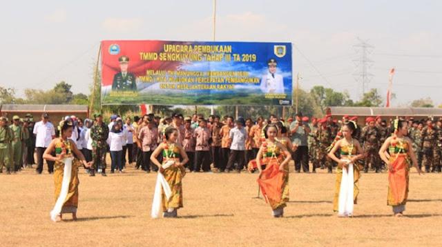 Tari Gambyong Warnai Pembukaan TMMD Sengkuyung Tahap III Di Klaten