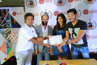 Actress Hebah Patel with Nanna Nenu Naa Boyfriends team at S.V.M Mall  0014.jpg