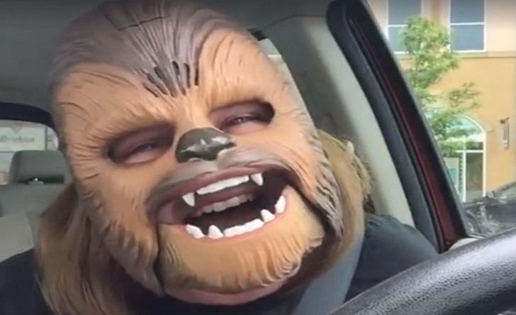 Video Viral Facebook Bernama Candace Payneini Menjadi Chewbacca