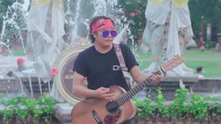 Lirik Lagu Dagagng Canang Sing Ngabe Bunga - Ray Peni