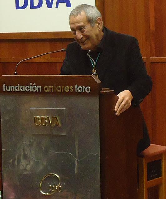 El diseñador Elio Berhanyer en Sevilla Antares