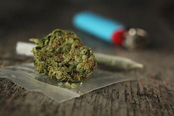 Policía preventiva apresa un hombre y le ocupa 16 porciones de marihuana