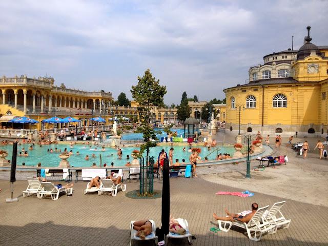 piscina de balneario budapest
