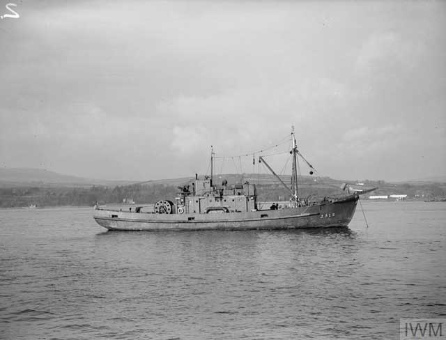Royal Navy minesweeper J512 at Londonderry, 26 February 1942 worldwartwo.filminspector.com