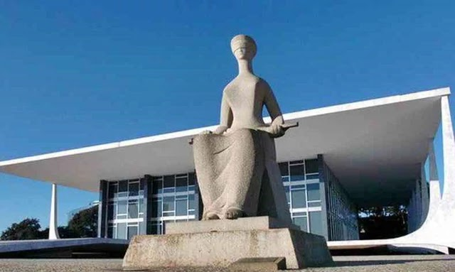 STF proíbe Bolsonaro