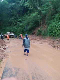 Banjir dan Longsor Menimbung  Jalan dan Pemukiman Warga di Cianjur