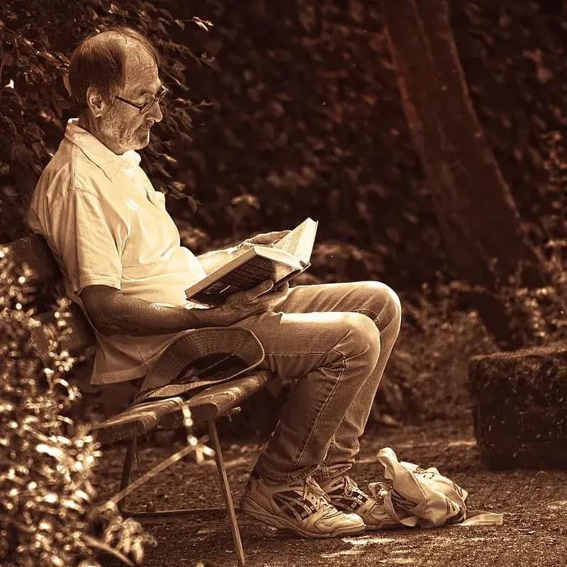 books for the Elderly, Benefits Of Reading