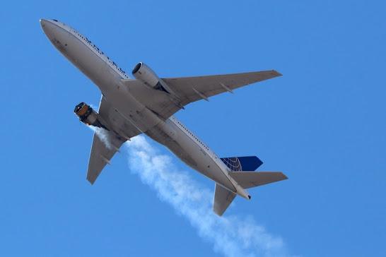 Aereo United Airlines: perde pezzi del motore in volo