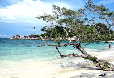 Pantai yang Indah di Pulau Belitung