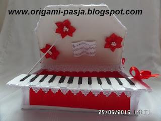 Pudełko z krepy włoskiej