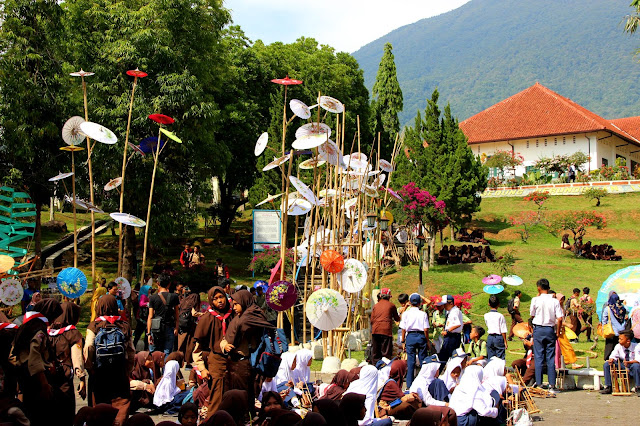 Bluepacker - Indonesian Travel Blogger - International Angklung Festival Kuningan 2018