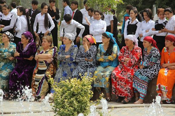 Tadjkistan, Douchanbé, Bibliothèque, femmes, © L. Gigout, 2012