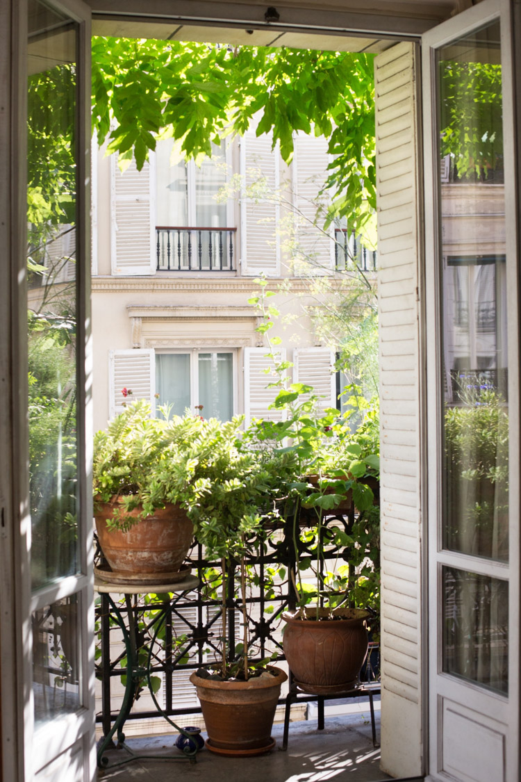 10 Ways To Maximise Your Tiny Balcony / Outdoor Space!