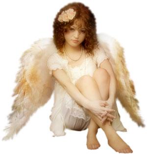 bebe hermoso con alas