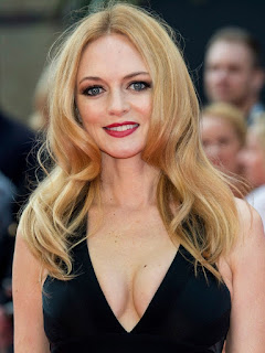 Heather Graham Sexy Pics In Black Outfit