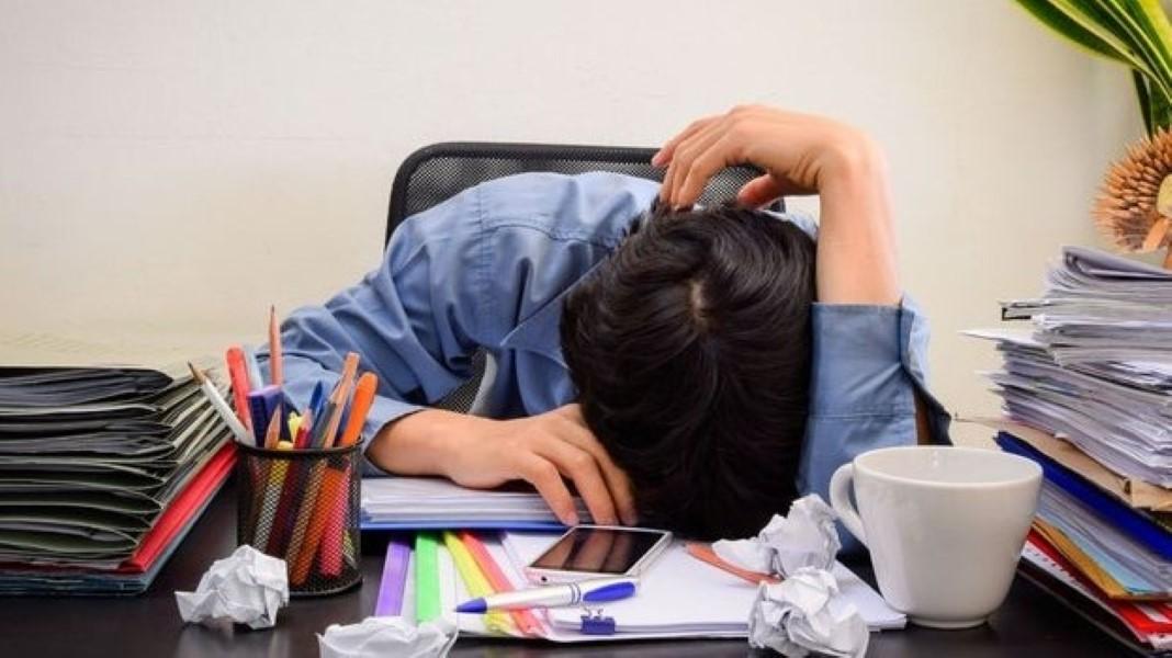 No te sobrecargues con tareas