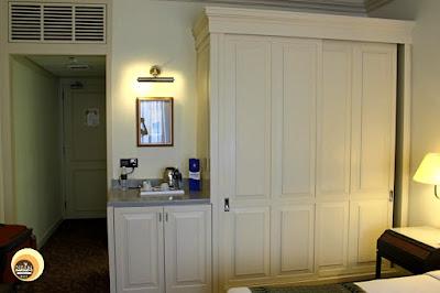 Hotel Istana Deluxe Guestroom, Kuala Lumpur, Malaysia