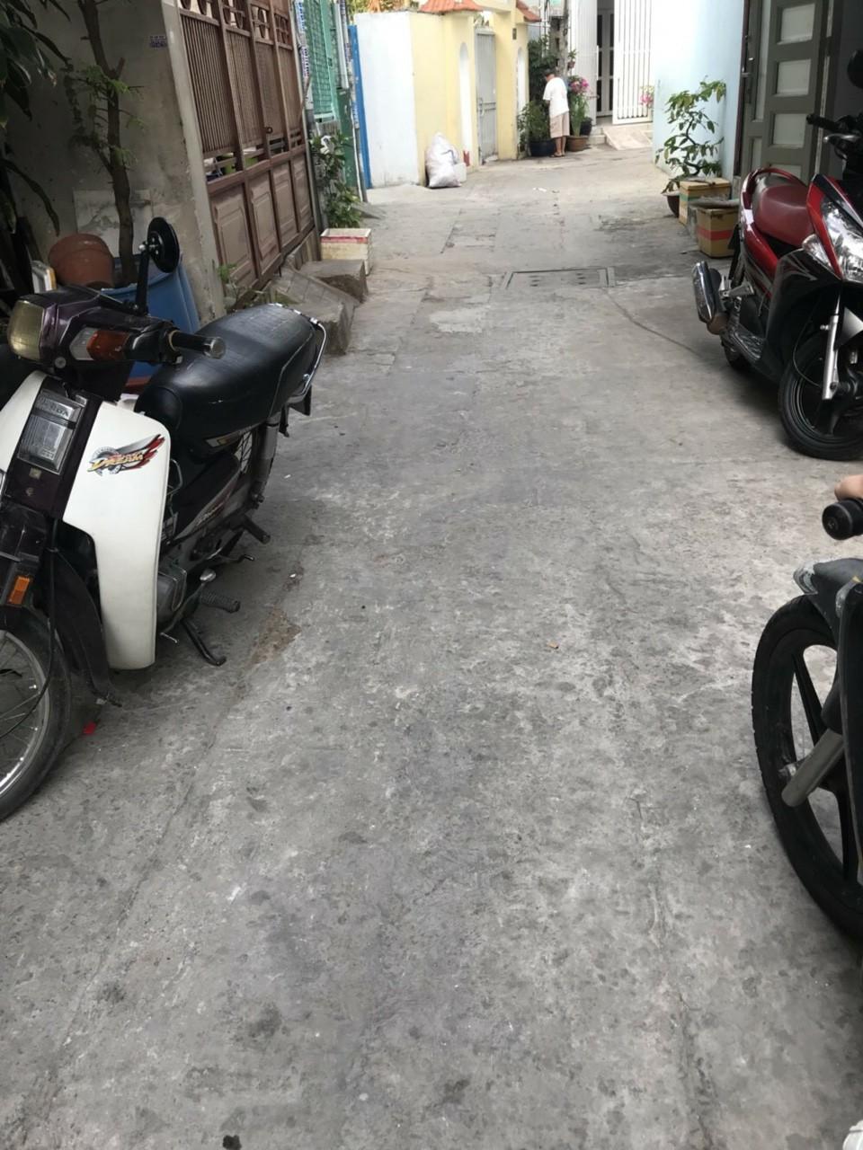Bán nhà hẻm 84 Tân Sơn Nhì quận Tân Phú giá rẻ. DT 4x10m