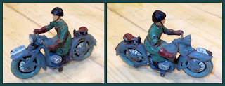 1 - Compo Motorbike; Composition Toy; Elastolin Hausser; German Toy Figurine; Lineol; Made In Germany; Motorbike; Motorcycle; Motorcycle Toys; Motorcycles; Small Scale World; smallscaleworld.blogspot.com; Swiss Army; Toy Motorbikes; Toy Motorcycles; Two Wheels;