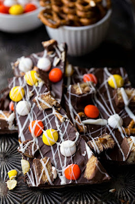 11 Thanksgiving Desserts With Your Leftover Halloween Candy