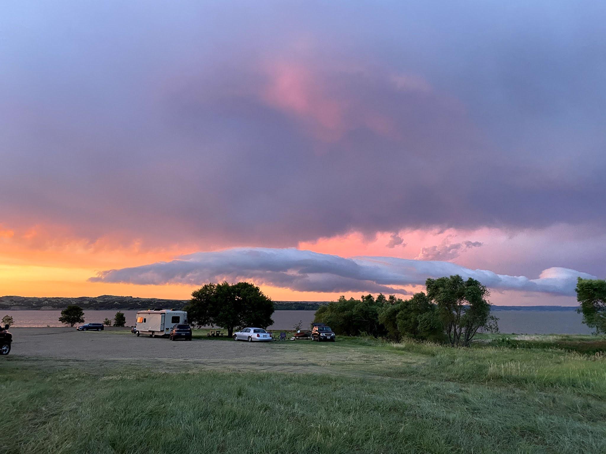 Sunrise on the Missouri River, South Dakota| biblio-style.com
