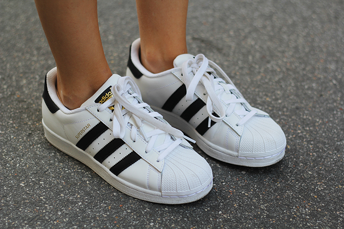 412b4e366614a superstar shoes white and black adidas superstar ii white black ...
