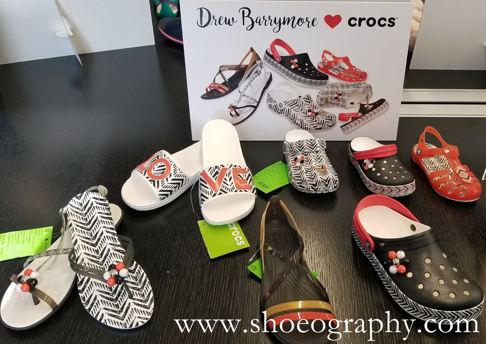 25ad54dba254b9 Drew Barrymore ♥ Crocs Chevron Collection