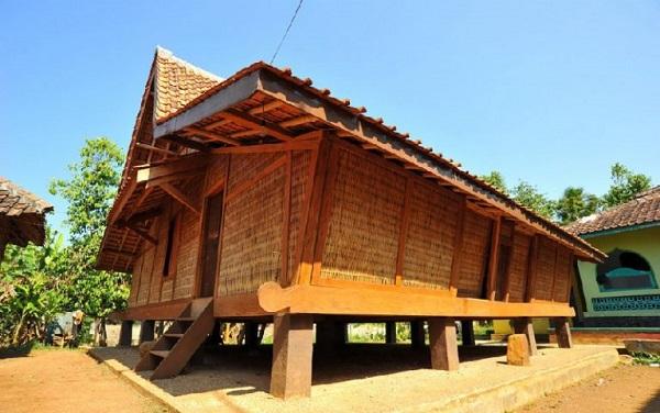 Rumah adat Jawa barat (Rumah sunda)