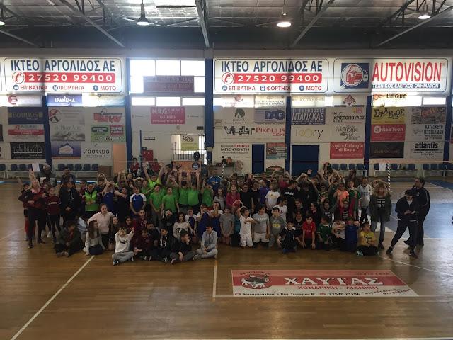 Οι ομοσπονδιακοί προπονητές Γκούντας και Λακασάς σε τουρνουά Δημοτικών σχολείων σε Άργος και Ναύπλιο