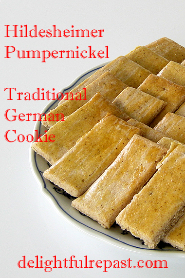 Hildesheimer Pumpernickel Kekse Revisited - A Traditional German Cookie / www.delightfulrepast.com