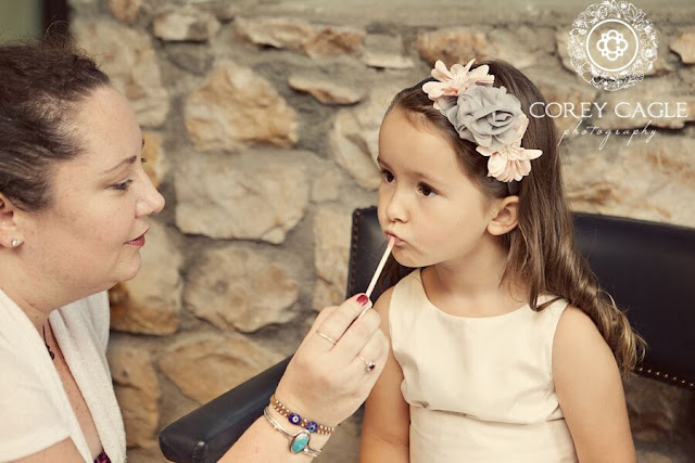 lip gloss for flower girl | Corey Cagle Photography