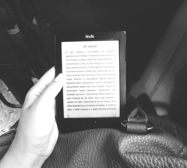 Ler no onibus kindle livros digitais