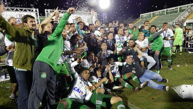 Atlético Nacional abre mão do título e Chapecoense é campeão da Copa Sul-americana